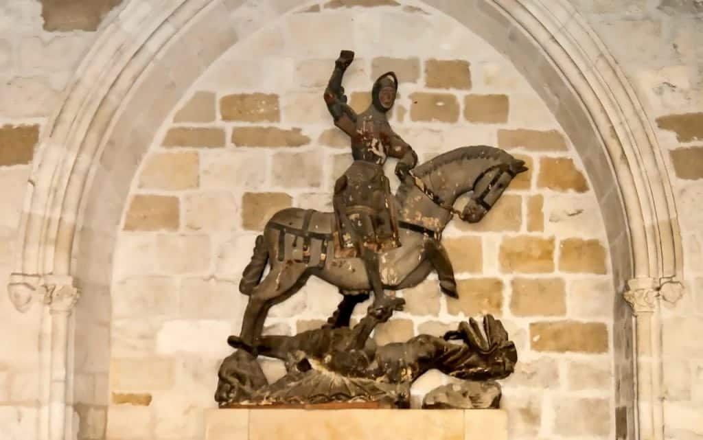 statue of st. george before restoration full