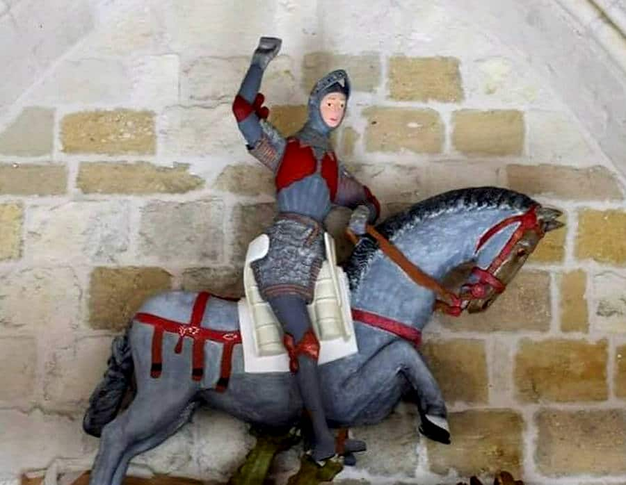statue of st. george after restoration full