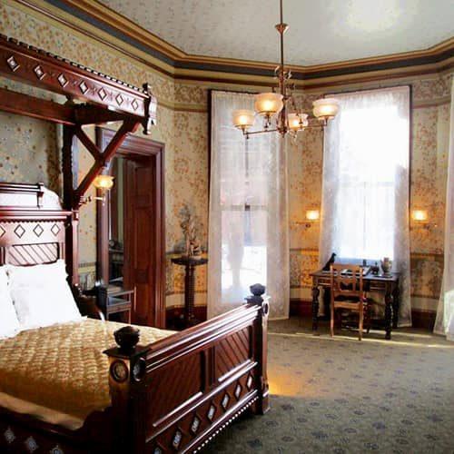 Mark-Twain-House-Bedroom-Restoration-After-500x500