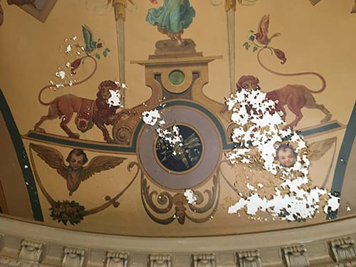 Old Steinway Rotunda-lions before